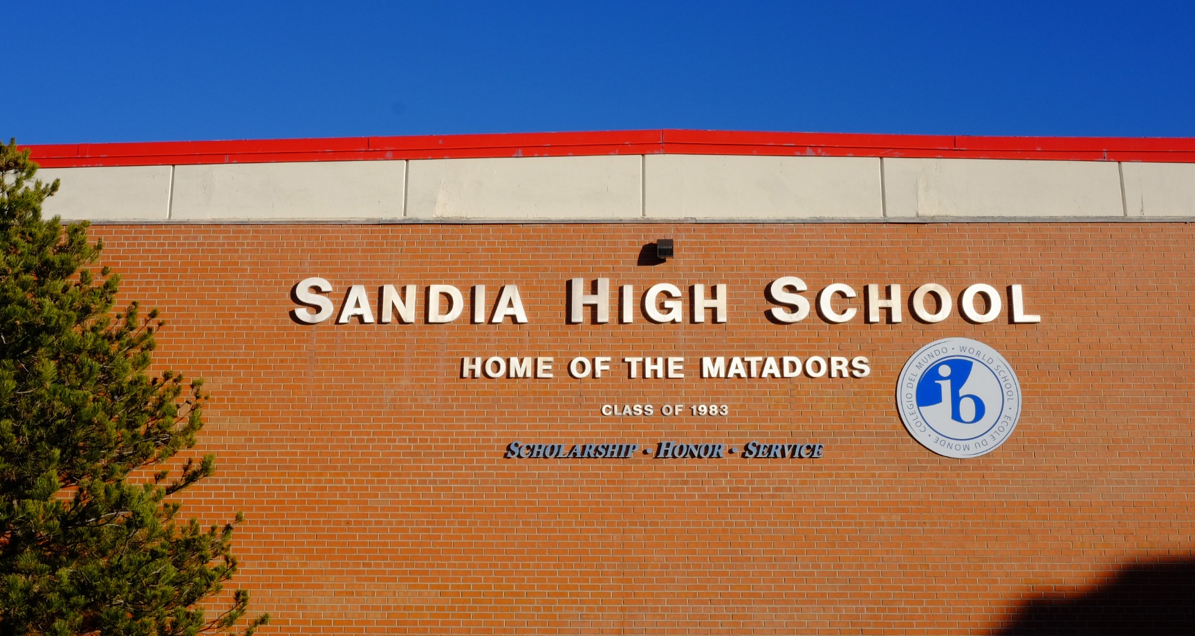Photo of the Sandia school building